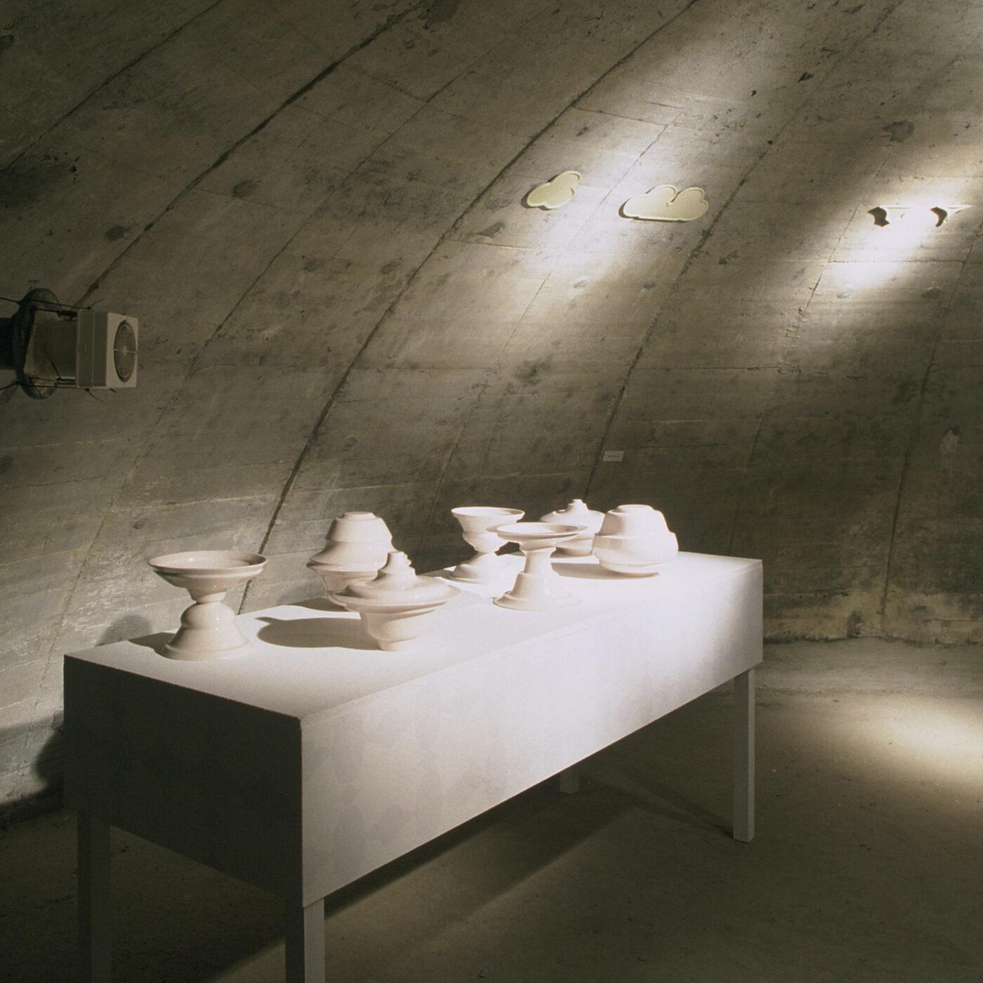 Keramiker Marianne Nielsen -Bunkerbordopdækning, 2004, foto: Ole Akhøj