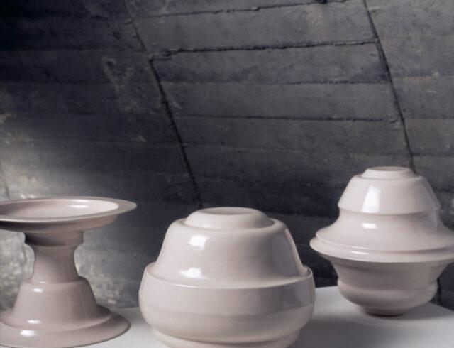 Keramiker Marianne Nielsen - Keramiske katgorier, 2004, foto: Ole Akhøj