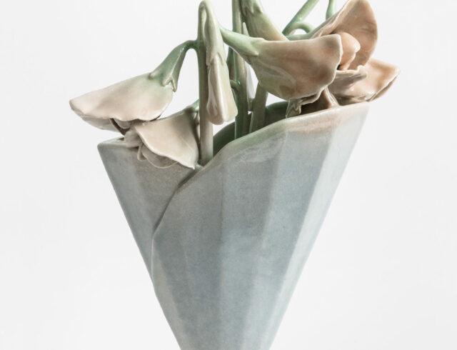 Keramiker Marianne Nielsen - Ærteblomst, 2017, foto: Ole Akhøj