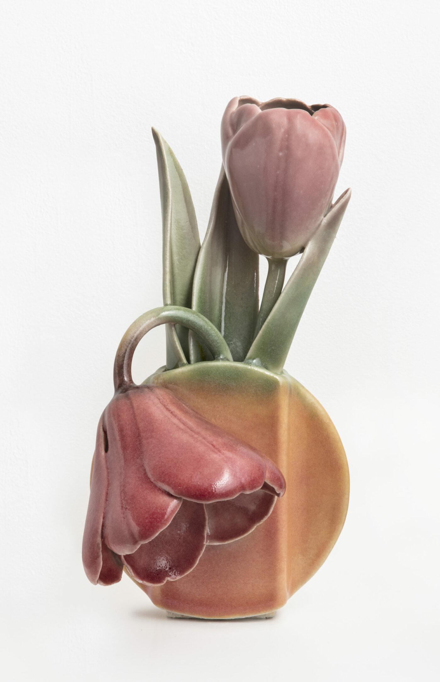 Keramiker Marianne Nielsen - Tulipan, 2017, foto: Ole Akhøj